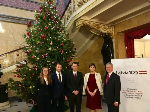 BSW helps transport Christmas tree from Latvia to FCO's Lancaster House